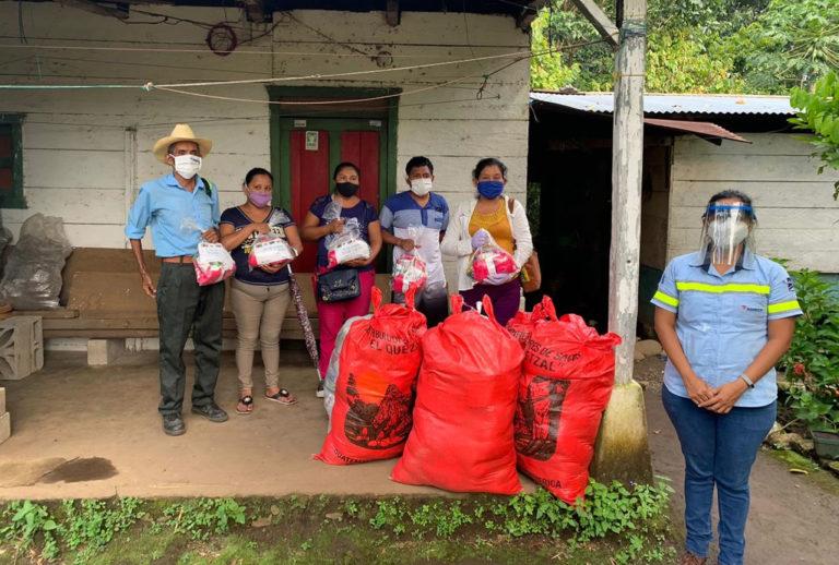 Comunidades de Suchitepéquez reciben víveres e información de prevención frente a la emergencia sanitaria