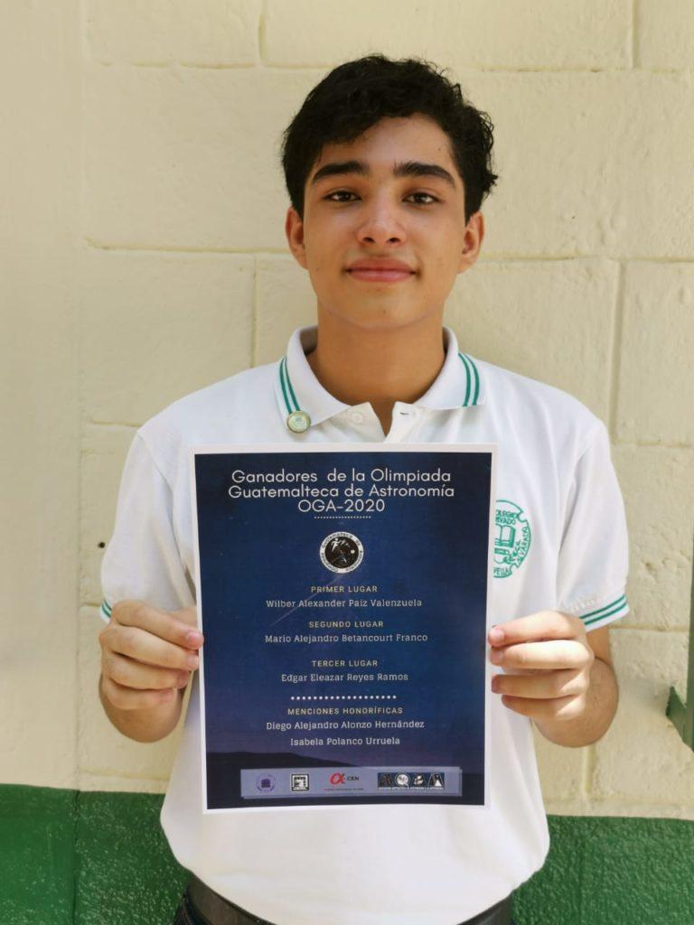 """Alumno del Colegio Privado """"Enrique Novella Alvarado"""" gana primer lugar en el Campeonato Nacional de Astronomía y Astrofísica cempro guatemala"""