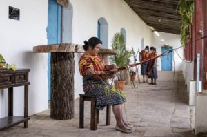 impulsando vidas a traves de los negocios podcast de maria tuyuc progreso labs guatemala