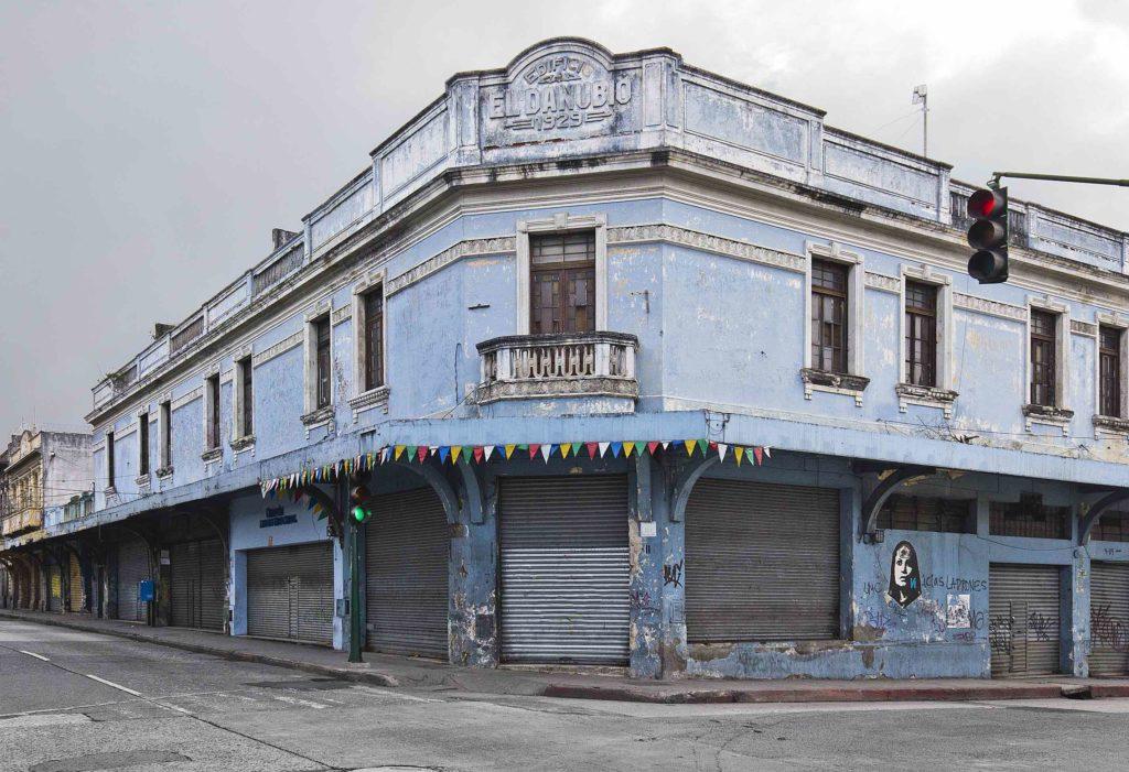 Foto Edgar E. Sacayón Edificio El Danubio en la esquina de la 9na y 9na zona 1 Centro Histórico Guatemala