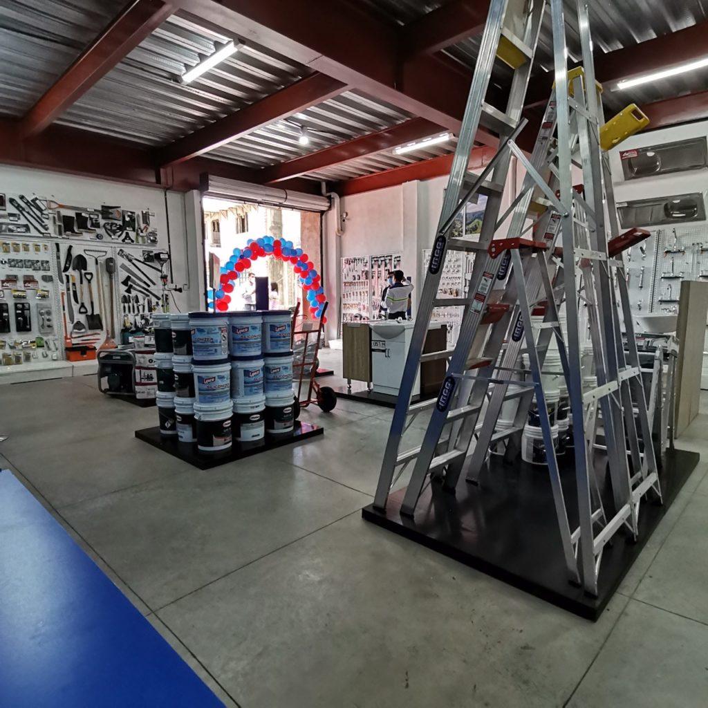 inauguramos una tienda expres en Xela Construfacil